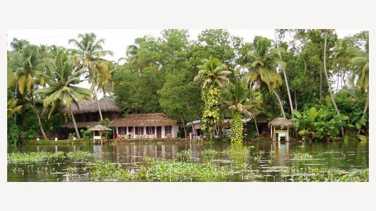 The Gateway of Kerala, Coachin