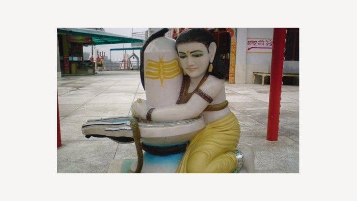 Lakshman Jhula Mandir in Rishikesh, Uttarakhand