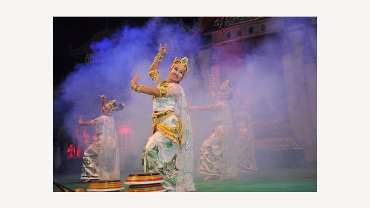 Artist From Myanmar performing during the Buddha Mahotsav in Bodhgaya